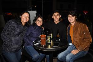 09012019 Elizabeth, Laura, Omar y Eduardo.
