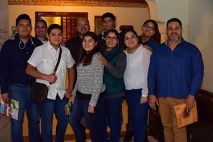10012019 EN EL TEATRO.  Familia Padilla.