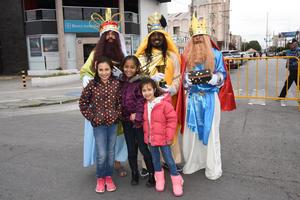 10012019 CON LOS REYES MAGOS.  Romina, Sara y Sofía.