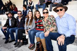 Polo Sotolujan, Gerardo Katsikas, Cointa Sotolujan, Fernanda Padrelin, Olivia Sada y Leopoldo Sotolujan
