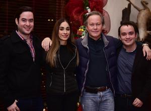 AlejandroJr,Yeska,Alejandro y Angel.