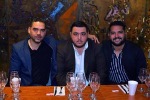 Carlos, Hugo y Victor