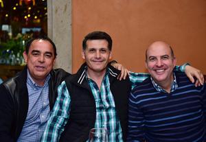 Armando,Miguel y Javier.