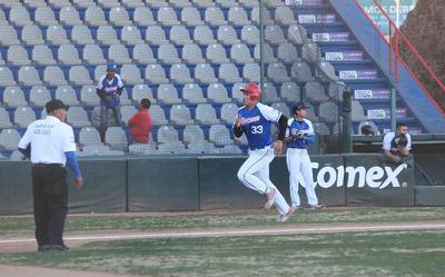 Hendrick entró al relevó de Pablo Carrasco y Daniel Gutiérrez entró a cerrar.