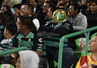 Santos vence a Monarcas