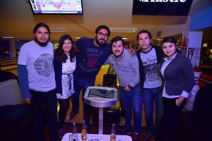 14012019 EN EL BOLICHE.  Andrés, Reina, Leonel, Aldair, Roberto y Yuridia.