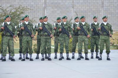 Elementos militares en la toma de protesta del Mando Especial de La Laguna.