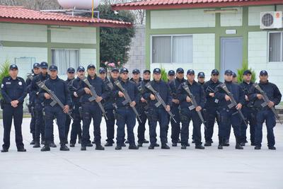 Elementos de las corporaciones de seguridad estuvieron presentes en la toma de protesta.