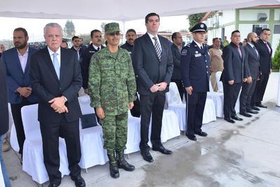También estuvieron presentes alcaldes de la Comarca Lagunera, entre ellos el de Torreón, Jorge Zermeño Infante.