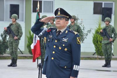 El general brigadier DEM Enrique Hernández Cisneros rindió protesta este miércoles como comandante del Mando Especial de La Laguna, en sustitución de Jesús Arevalo Espinoza.