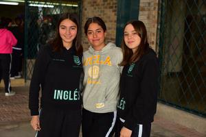 Isabel, Renata y Gaby