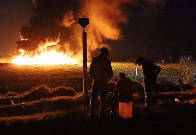El incendio hizo una reacción en cadena, pues alcanzó vehículos cargados con combustible y hasta bodegones con garrafas.