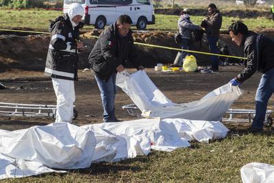 """El secretario de Salud, Jorge Alcocer, dijo en entrevista a medios que algunos de los lesionados, que han sido llevados a distintos hospitales, están entre """"la vida y la muerte""""."""
