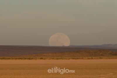Así se vio la Superluna desde La Laguna de Mayrán.