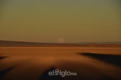 El primer eclipse lunar del año, coincide con la luna en su punto más cercano a la tierra, es decir se encuentra en perigeo.