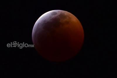 El eclipse a las 23:00 horas en Torreón.