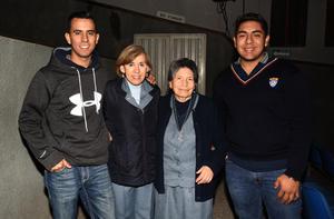 21012019 Daniel, Juanita, Petrita y Jaime.