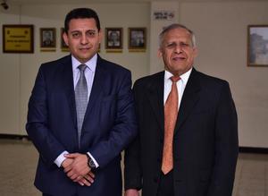 22012019 Dr. Cuauhtémoc Rangel, presidente de la mesa directiva, acompañado de su papá, Fernando Rangel de León.