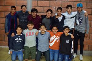 25012019 FELIZ CUMPLE.  Jamil Rauda celebró su cumple en compañía de sus amigos.