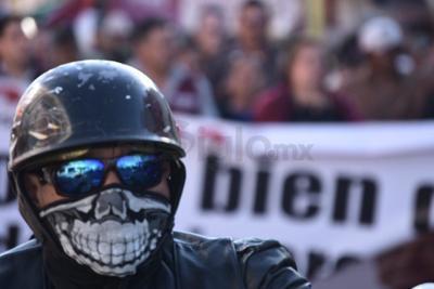 El contingente de manifestantes, inició su marcha en el monumento al Ave fénix, y concluyó en la plaza principal.