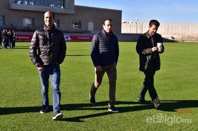 Guillermo Cantú y Gerardo Torrado junto a Alejandro Irarragorri.