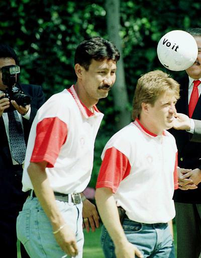 Fue campeón de Liga y Copa con el equipo de la Franja en la temporada 1989-90; además de que consiguió el subcampeonato con la Máquina en dos ocasiones: en 1986-87 y 1988-89, y con Toros Neza en 1997.