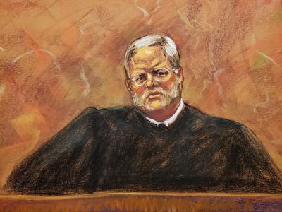 """El juez transmitió que la decisión del jurado fue de condenar por los diez cargos a """"El Chapo"""", y sólo no llegó a la unanimidad para esa decisión en dos violaciones de uno de los cargos, concretamente centradas en distribución de cocaína en 2007 y otra de marihuana en 2012."""