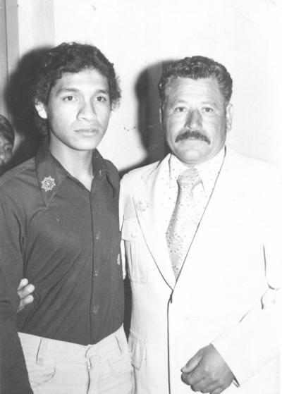 17022019 Norberto Rangel Ríos con su hijo, Fco. Javier Rangel, en 1977.