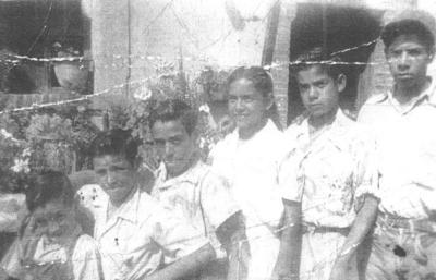 24022019 Foto tomada hace 5 décadas en Zacatecas: Jesús, Alfredo (f) y Antonio Flores, Juana, J. Isabel Hurtado y Juan Hurtado.