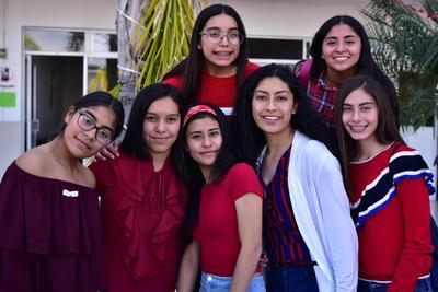 Ximena, Diana, Maryfer, Ana Gio, Jessica, Victoria y Dafne