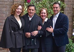 Lupita con su esposo, Nazario Lopez Robles, y sus hijos, Elizabeth y Eduardo Lopez Morales