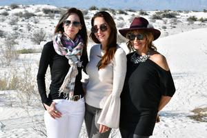 Karen Otero, Liza Cantu de Perez Cano y Sara Cuellar