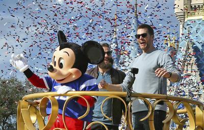 Mickey acompañó a los jugadores.