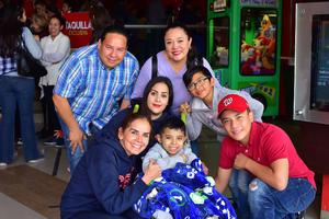 08022019 Patito y su familia.