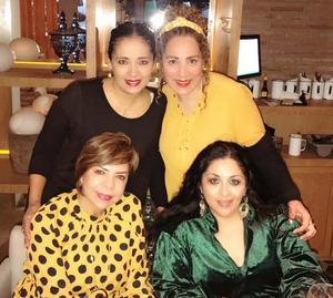 09022019 CELEBRA SU CUMPLEAñOS.  Alejandra Cota con Argentina, Mónica y Alejandra.