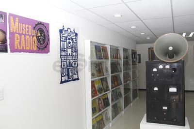 Dentro del museo se encuentran piezas que datan de la fundación de Radio Universidad y que durante años convirtieron en realidad las ideas de los universitarios en experiencias sonoras.