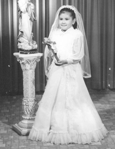 Niña lagunera hija del Sr. Arturo Rivera Chairez en su Primera Comunión en 1978.