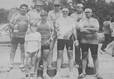 Jesús Solis, Sergio Reyes, Toño Luna, Héctor Gaucín (f), Manuel Reyes, Luis Barragán (f), Blas Garza, Gerardo Flores, Chava Martínez (f), Francisco Ortiz (f) y hermanos.