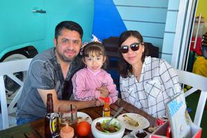 10022019 Jorge, Mariana y Mila.