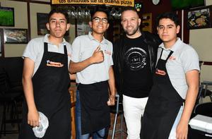 12022019 EN AMENA CONVIVENCIA.  Tony Pastrana, Alexander Briceño y Luis Rodríguez con Matías Vuoso.