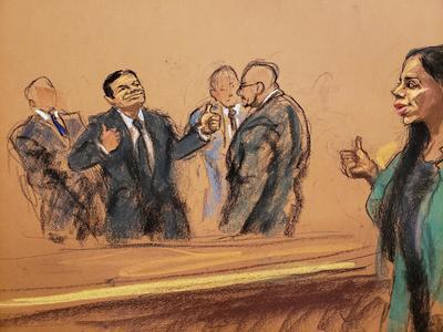 Los 12 miembros del jurado emplearon 36 horas a lo largo de seis días en deliberar, que se sumaron a los casi cuatro meses de juicio, demandaron copias de los testimonios y tras el receso del fin de semana, alcanzaron una decisión.