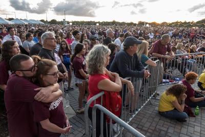 Recuerdan a las víctimas de Parkland a un año del tiroteo