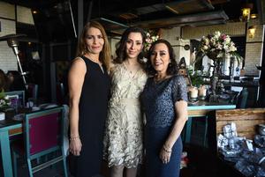 Daniela con Maria Angelica de Barranco y Lucia Gonzalez