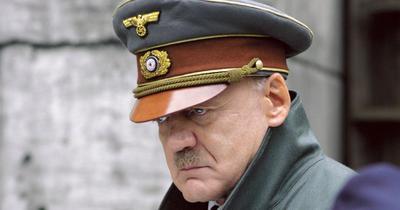 El actor suizo Bruno Ganz, quien interpretó a Adolf Hitler recluido en un refugio subterráneo en Berlín en la película La caída y a un ángel en Las alas del deseo de Wim Wenders, falleció a los 77 años.