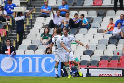 Con goles de Martín Nervo y Ayrton Preciado, los Guerreros de Santos Laguna obtuvieron tres valiosos puntos en el Coloso de Santa Úrsula ante el Cruz Azul.