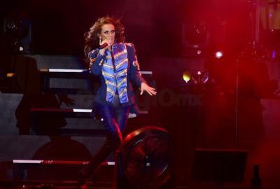 El concierto de la nacida en Puebla, de igual manera sirvió para celebrar a San Valentín, algo que ella ya había anticipado en una entrevista telefónica que ofreció la semana pasada a El Siglo de Torreón.