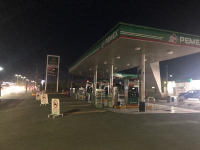 La estación ubicada en avenida Juárez y casi esquina con calzada México, cerró ante la falta de gasolina Magna y Premium.