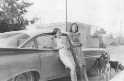17022019 Cecilia Mora Garza y Rosa Alma en 1966.