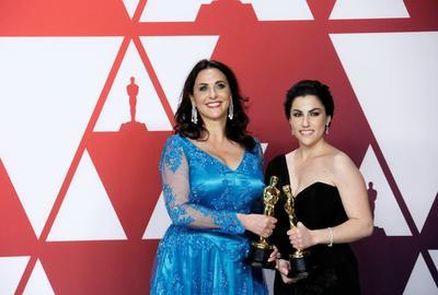 Rayka Zehtabchi y Melissa Berton, ganadoras a Mejor Corto Documental por Period. End of Sentence.