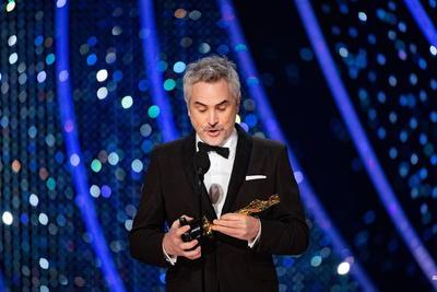 Alfonso Cuarón gana por Roma las categorías a Mejor Película hablada no inglesa, Mejor Fotografía y Mejor Director,
